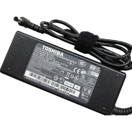 TOSHIBA UNIVERSAL AC ADAPTER - 15V, 120W, 8A, 3-PIN